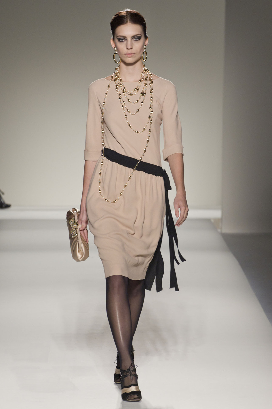 Moschino Fall/Winter 2011.12 Ready-To-Wear Milan