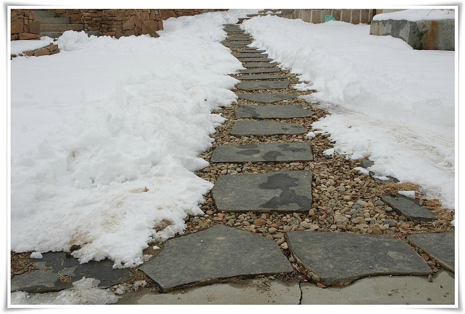 돌로 만들어진 길