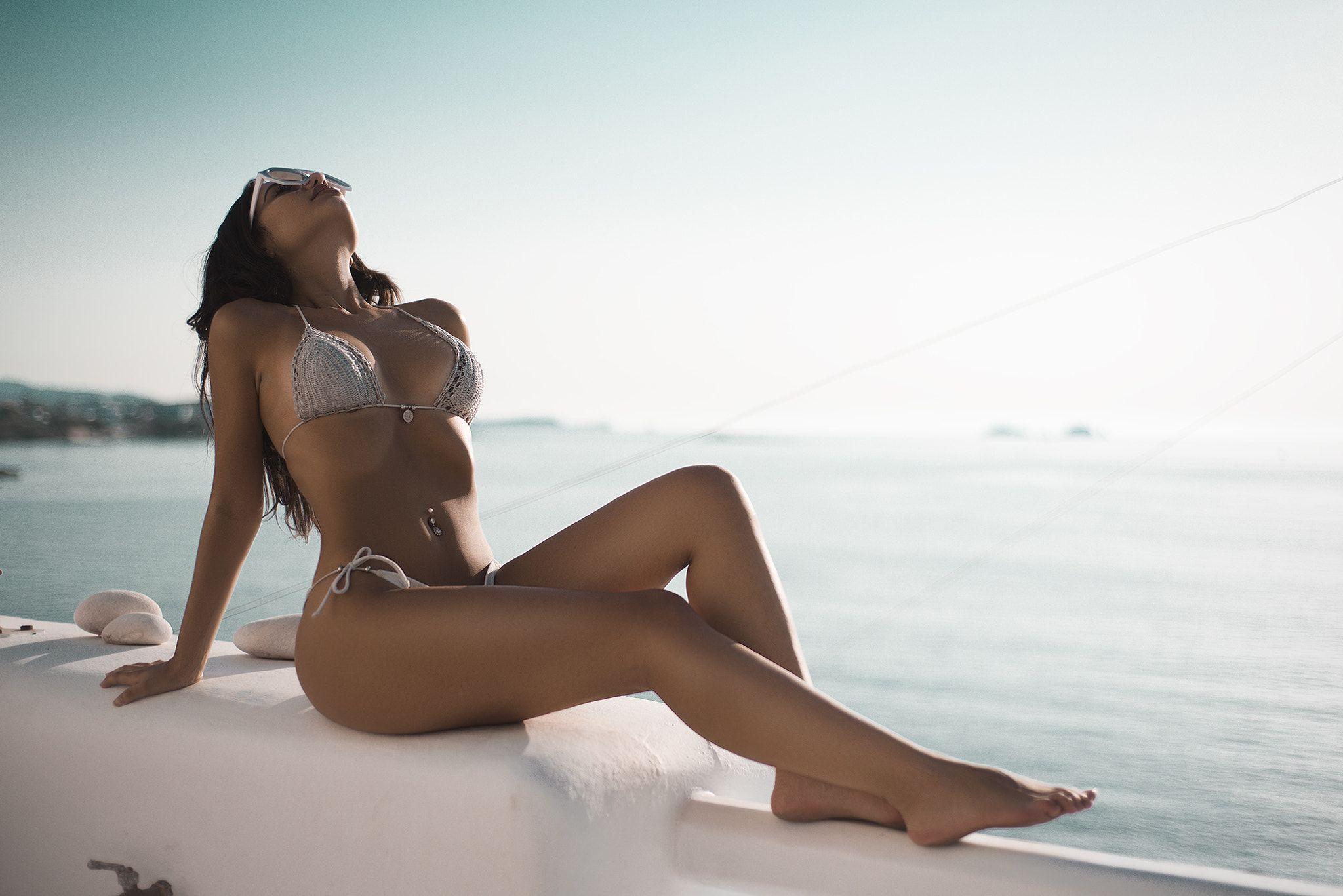 hot girl in swim wear